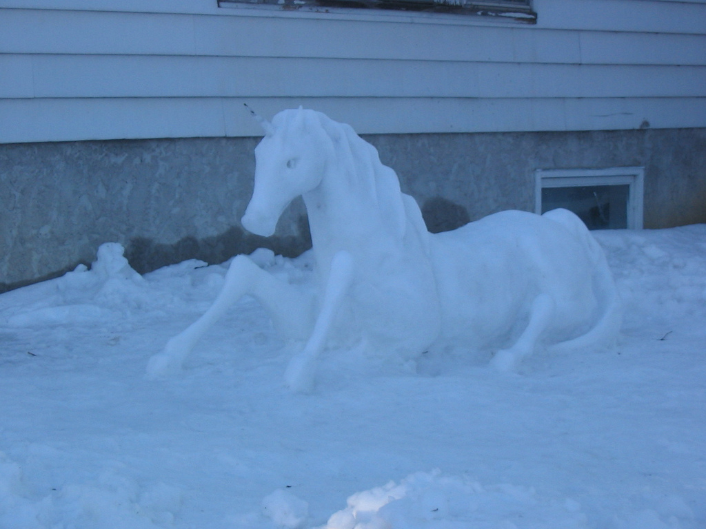 Horse Snow Sculpture By Happy Gecko Selwood Equine
